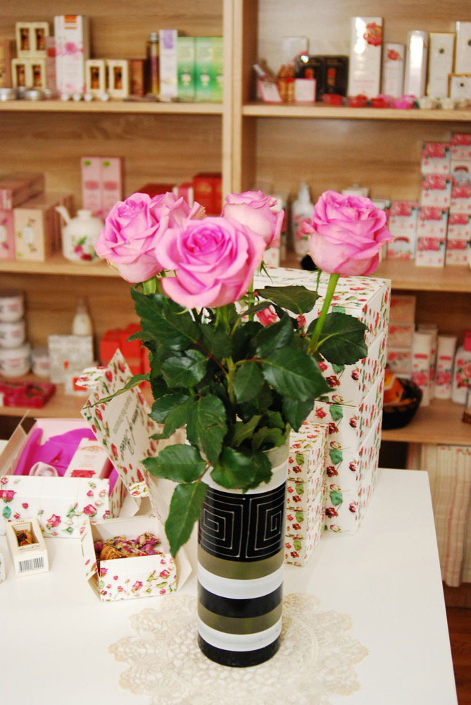 crafts-and-roses-1.jpg